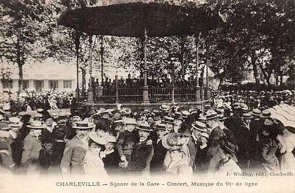 Le kiosque de la gare à Charleville-Mézières