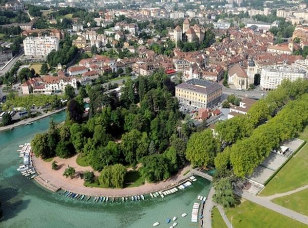 chemin de poésie - Printemps des poètes Annecy